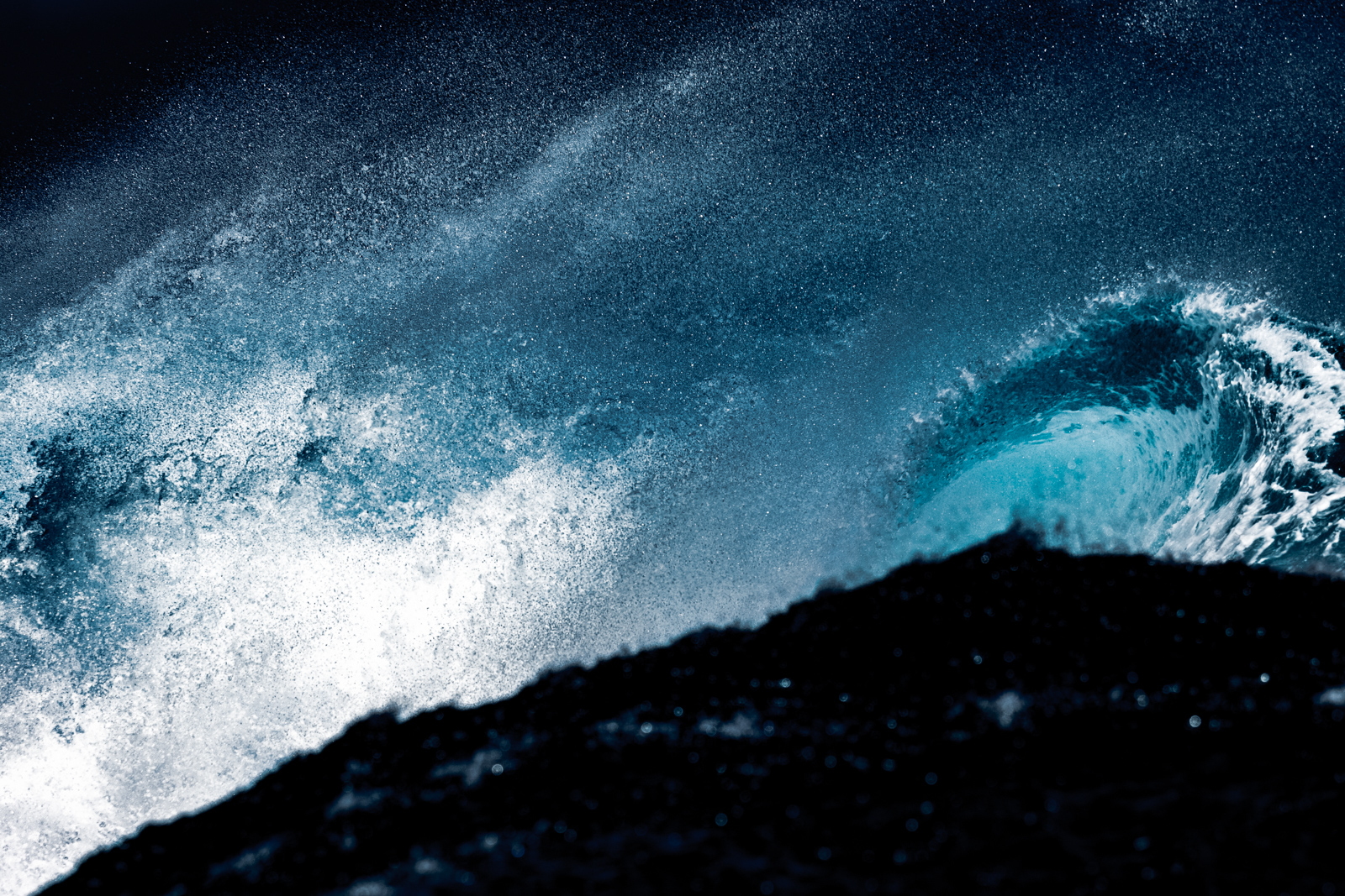 Electric - Captured at Teahupoo on 26 Aug, 2015 by SurfLove