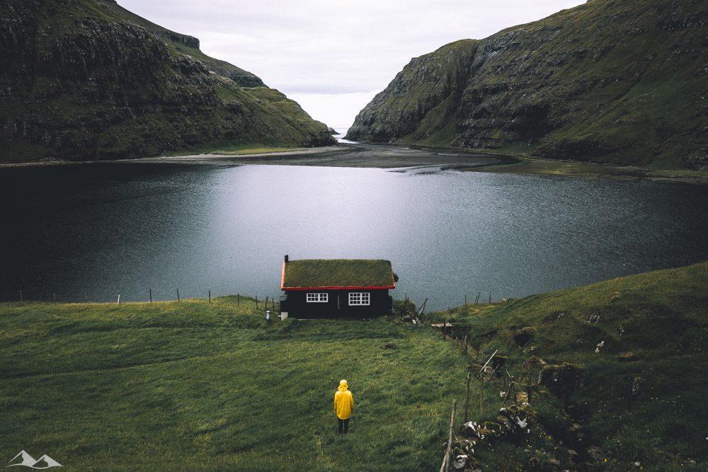 CEW - Black Cabin